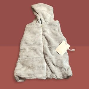 Widgeon Light Grey Faux Furry Hooded Vest NWT